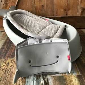 Skip Hop grey 3 stage tub and toy holder